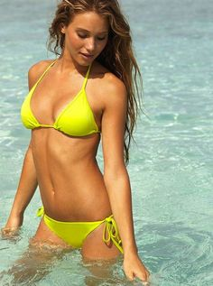Hannah Davis hot on actressbrasize.com…
