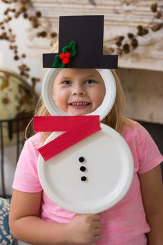 Kids Week: Paper Plate Christmas Masks - Design Improvised Turn paper plates into the cutest Christmas masks featuring Santa, Mrs. Claus, and Frosty the Snowman! Christmas Crafts For Kids To Make, Christmas Activities For Kids, Preschool Christmas, Diy Christmas Gifts, Preschool Crafts, Holiday Crafts, Toddler Christmas, Fun Crafts, Prim Christmas