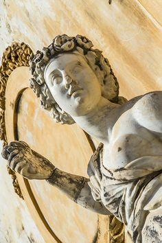 Sizilien - Santa Flavia - Villa Filangeri Santa Flavia ist der optimale Urlaubsort - nahe an Palermo, am Meer und an der antiken Ausgrabungsstätte Solunto. Schaut mal hier: http://www.trip-tipp.com/sizilien/reise/urlaubsziele/santa-flavia.htm #sicily #sicilia #italien #italy #italia
