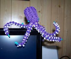 Paracord Octopus : 8 Steps (with Pictures) - Instructables Diy And Crafts, Crafts For Kids, Arts And Crafts, Tape Crafts, Bead Crafts, Fun Crafts, Art Crea, Paracord Weaves, Paracord Projects