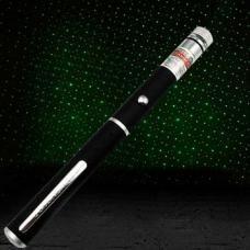 """http://www.laserskopen.com/100mW-laser-pointer/c-6.html http://www.laserskopen.com/groene-laser-pointer/p-1085.html  Deze laserpen 100mw groene is klein en prachtige , draagbare en met rijkere applicaties. De laser pointer kan worden omgevormd tot een """"disco laser pointer """" met ster cap"""