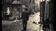 Δε φταίω εγώ που μεγαλώνω - Πάνος Κατσιμίχας Losing Friends, Film Books, How To Get Away, Music Film, Melancholy, Art Gallery, Henry Moore, Fine Art, Grief