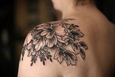 beautiful shoulder piece // Kirsten Holliday #tattoo