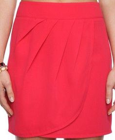 Inspiration - Love the pleats across the top of this drape Winter Skirt Outfit, Skirt Outfits, Cute Outfits, Skirt Fashion, Fashion Dresses, Style Fashion, Types Of Fashion Styles, Beautiful Outfits, Spring Outfits