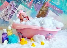 Rub a dub dub, baby in the tub! DIY - Baby bath photoshoot idea at home! Baby Spa, Baby Girl Newborn, Diy Baby, Baby Girl Pictures, Newborn Pictures, Unisex Baby Names, Monthly Baby Photos, Foto Baby, Baby Poses