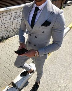 75 Likes, 5 Comments - Men's Style Blazer Outfits Men, Stylish Mens Outfits, Indian Men Fashion, Mens Fashion Suits, Fashion Fashion, Der Gentleman, Gentleman Style, Best Suits For Men, Moda Formal