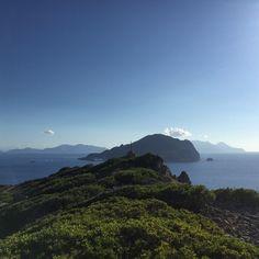 Da Basiluzzo, Panarea ed  in lontananza da sx verso dx, Vulcano, Lipari e Salina.