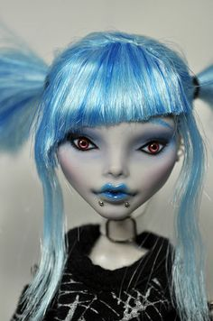 OOAK Custom Monster High Doll Coraline 59 by Nekomuchuu Gothic Goulia Repaint | eBay