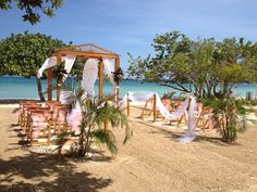 """Say """"I Do"""" in #Jamaica at #CouplesResorts."""