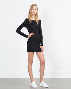 Imagem 1 de VESTIDO COM DECOTE À BARCO da Zara