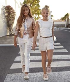 Джуниор cut in 2019 outfits für mädchen, mädchen kleidung un Outfits Niños, Cute Girl Outfits, Little Girl Outfits, Kids Outfits Girls, Cute Outfits For Kids, Toddler Girl Outfits, Little Girl Fashion, Fashion Kids, Preteen Fashion