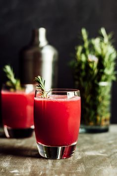 Pomegranate Apple Cider Spritzer - an easy party drink by Lisa Lin of Healthy Nibbles & Bits