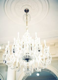 ♥Chandelier  | More decor lusciousness here: http://mylusciouslife.com/photo-galleries/architecture-and-design-beautiful-buildings-gardens-and-decor/