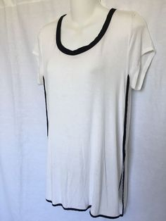 5f102c46d6 H by Boardeaux Women s side slit Top white Size M for Sale in Gardena