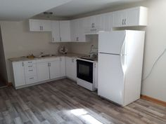 Rooms for rent - Niagara College Off Campus Houses for Rent Rooms For Rent, Renting A House, Kitchen Cabinets, College, Ads, Flooring, Home Decor, University, Decoration Home