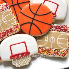 Basketball!  #cloughd9cookies #customcookies #decoratedcookies #marchmadness