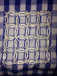 Risultati immagini per gingham stof Cross Stitching, Cross Stitch Embroidery, Hand Embroidery, Cross Stitch Patterns, Embroidery Patterns, Bordado Tipo Chicken Scratch, Modern Quilt Blocks, Chicken Scratch Embroidery, Swedish Weaving