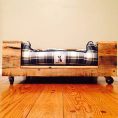 Pallet Wood Dog Bed by PROJECTrodrigo on Etsy
