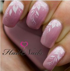 Nails art Pink with white flowers