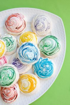 Making coloured meringues