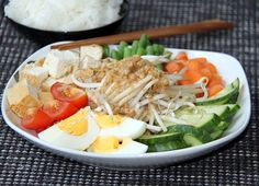 Gado Gado - Salat mit Erdnuss-Sauce