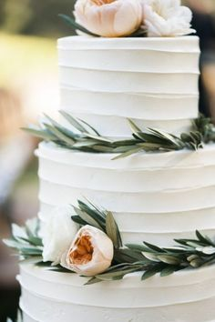 Wedding Food A Daytime French Inspired Winery Wedding - The ultimate outdoor al fresco winery wedding complete with California sunshine and rustic chic details Floral Wedding Cakes, Wedding Cake Rustic, Elegant Wedding Cakes, Chic Wedding, Perfect Wedding, Wedding Styles, Dream Wedding, Wedding Day, Garden Wedding Cakes
