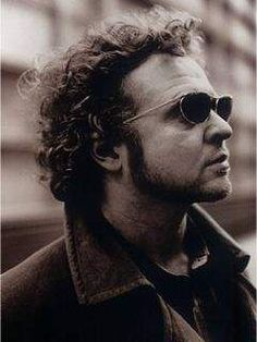 Too cool Mickey. Mick Hucknall, Simply Red, Perfect Love, Pop Bands, Red S, Mens Sunglasses, Singer, Actors, Musicians