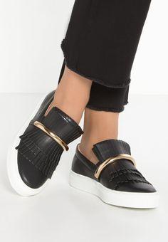 Sneakers Swear AMY - Sneakers laag - black smooth Zwart: 171,95 € Bij Zalando (op 10/01/17). Gratis verzending & retournering, geen minimum bestelwaarde en 100 dagen retourrecht!