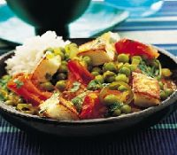 Pea Curry with Indian Paneer. Paneer is a low-fat Indian cheese, similar to ricotta but drier. It's often combined with peas in a curry. Healthy Recipes For Weight Loss, Healthy Foods To Eat, Easy Healthy Recipes, Vegetarian Recipes, Diabetic Recipes, Cooking Recipes, Indian Paneer Recipes, Indian Food Recipes, Ethnic Recipes