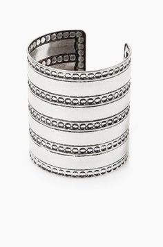 Boho bangle - Jewellery for Women Style Boho, Bohemian Style Jewelry, Boho Chic, The Bangles, Bangle Bracelets, Silver Bracelets, Fashion Jewelry, Women Jewelry, Metal Jewelry