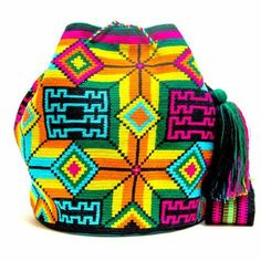 Handmade Hermosa Wayuu bags are rare art. Only small amounts are made because of the complexity and method to produce a single Hermosa Wayuu Bag. Only One Kind, Limited Edition, Extra Large Tightly wo Crotchet Bags, Tapestry Crochet Patterns, Tapestry Bag, Boho Bags, Crochet Purses, Crochet Fashion, Shopping Bag, Purses And Bags, Knitting