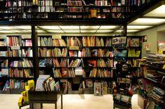 """Librairie pour enfant """"les modernes"""" grenoble. Bookshop for children's by Buildings & Love Architecture- Grenoble-Paris"""