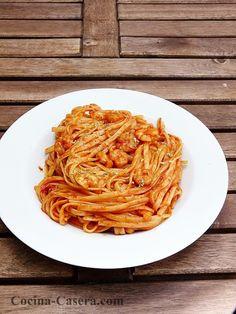 Tallarines con tomate y gambas. Recetas con toque picante | Recetas de Cocina Casera | Recetas fáciles y sencillas