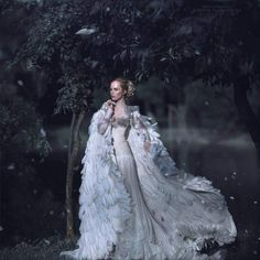 Snow queen's coat Fantasy Photography, Fashion Photography, Party Mode, Glamour, Fantasy Dress, Jolie Photo, Beautiful Gowns, Dream Dress, Costume Design