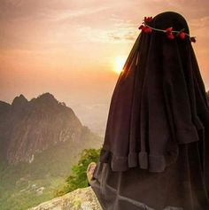 If we have Allah then what have we got to worry. And Allah promises double the ease after each hardship. Arab Girls, Muslim Girls, Muslim Women, Anime Muslim, Muslim Hijab, Hijabi Girl, Girl Hijab, Imam Hussain Wallpapers, Hijab Drawing