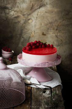 Tarta de yogur con frambuesas