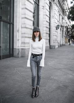 Blogger Style: The Perfect Weekend Outfit by Le Fashion  #BLOGGERS, #Boots, #Casual, #CASUALCHIC, #Denim, #FALLWINTERINSPIRATION, #Hat, #Moda, #Turtleneck