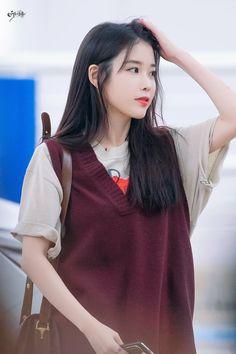 IU 190904 Incheon Airport to Bangkok Korean Actresses, Actors & Actresses, Girl Friendship, Love U Forever, Iu Fashion, Korean Star, Ulzzang Girl, K Idols, Korean Singer