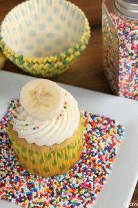 Banana & Cream Cheese Cupcakes     TheCakeBlog.com