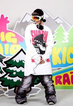 Shark dog surf ' Extreme brand character snowboard tall-T fashion design. Designed by DOLDOL. www.doldoly.com. . #Snowboard #skateboard #sk8 #longboard #surf #sharkdog #bike #graphicer #mtb  #스노우보드 #tshirt #characterdesign #톨티#snowboarding #extremesports #graffiti #캐릭터라이센스 #돌돌디자인 #dog #hiphop #like4like #캐릭터디자인 #shark #샤크독 #license #인스타그램 #tattoo #보드 #캐릭터제작