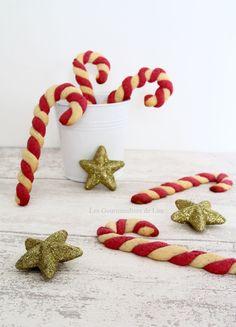 Sablés façon sucre d'orge                                                                                                                                                                                 Plus Xmas Food, Christmas Desserts, Christmas Treats, Christmas Cookies, Christmas Recipes, Christmas Is Coming, Christmas Time, Shortbread, Barley Sugar