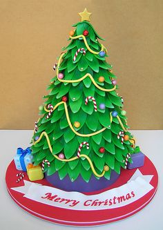 wow! christmas tree cake