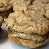 Healthy Treat: Peanut Butter Oatmeal Sandwich Cookies (I've been looking for this forever!) I would use almond flour or coconut flour instead and almond butter over the peanut butter better healthy choice