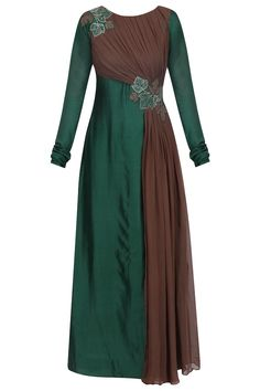 Emerald green and gunmetal floral embroidered drape tunic available only at Pernia's Pop Up Shop. Indian Wedding Gowns, Indian Gowns, Pakistani Dresses, Desi Wedding, Mode Abaya, Stylish Dress Designs, Frocks For Girls, Modest Dresses, Lovely Dresses