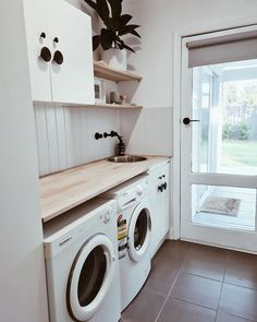 Modern Laundry Rooms, Laundry Room Layouts, Laundry Room Remodel, Laundry Room Organization, Laundry Bathroom Combo, Laundry Cupboard, Toilette Design, Laundry Room Inspiration, Laundry Room Design