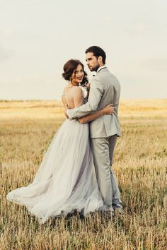 Gray tulle wedding dress, open back bridal gown, bohemian alternative wedding dress, simple evening or prom or ball dress, delicate gown - Hochzeits Fotografie - brautkleid Wedding Picture Poses, Wedding Couple Poses, Wedding Couples, Outdoor Wedding Pictures, Farm Wedding Photos, Wedding Images, Wedding Tips, Wedding Photography Styles, Wedding Photography Inspiration