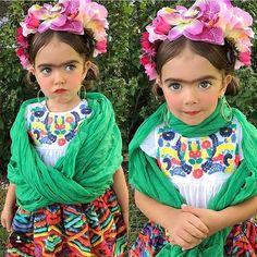 "Frida Kahlo Art 🎨🍉 (@friducha_arte) on Instagram: ""😍#MondayCuteness #fridainspired #fridita #lilfrida #fridakahlo #friduchaarte 💕🌸🌺🌼 📷…"""
