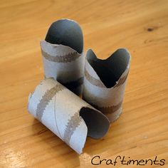 Cut pieces of cardboard tube, cut mouth shape at one end. Chinese New Year Crafts For Kids, Chinese New Year Activities, Chinese Crafts, New Years Activities, Crafts For Kids To Make, Snake Crafts, Dragon Crafts, Fish Crafts, New Year's Crafts