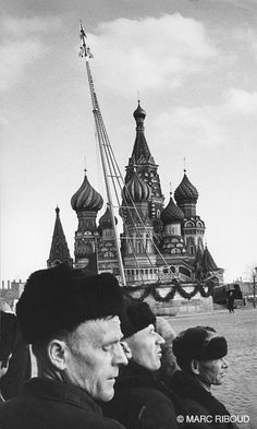 Moscow, 1960 by Marc Riboud Marc Riboud, World Photography, Photography Awards, Love's Labour's Lost, Long Pictures, Kodak Camera, Become A Photographer, Alfred Stieglitz, Moving To Paris
