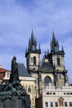 Czech Republic, Prague, Old Town Square with Gothic Church of Our Lady Before Tyn, John Huss Memorial